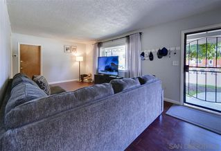 Photo 3: EAST ESCONDIDO House for sale : 5 bedrooms : 950 Fern Street in Escondido