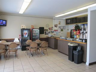 Photo 4: 4727 50 Avenue: Legal Multi-Family Commercial for sale : MLS®# E4215954