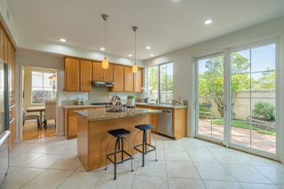Photo 6: UNIVERSITY CITY House for sale : 4 bedrooms : 5381 Renaissance Ave in San Diego