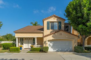 Photo 3: UNIVERSITY CITY House for sale : 4 bedrooms : 5381 Renaissance Ave in San Diego
