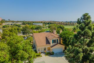Photo 1: UNIVERSITY CITY House for sale : 4 bedrooms : 5381 Renaissance Ave in San Diego