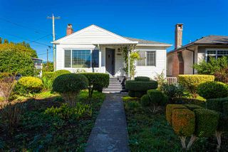 Main Photo: 2915 PARKER Street in Vancouver: Renfrew VE House for sale (Vancouver East)  : MLS®# R2507632