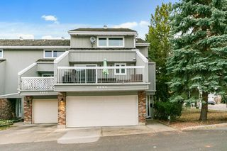 Photo 4: 3054 108 Street in Edmonton: Zone 16 Townhouse for sale : MLS®# E4220426