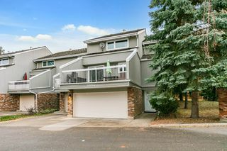 Photo 3: 3054 108 Street in Edmonton: Zone 16 Townhouse for sale : MLS®# E4220426