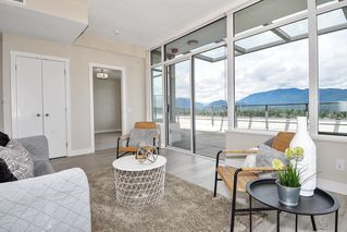 "Photo 3: 2802 602 COMO LAKE Avenue in Coquitlam: Coquitlam West Condo for sale in ""UPTOWN1"" : MLS®# R2519213"
