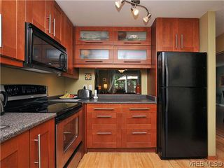 Photo 3: 903 640 Broadway St in VICTORIA: SW Glanford Row/Townhouse for sale (Saanich West)  : MLS®# 610799