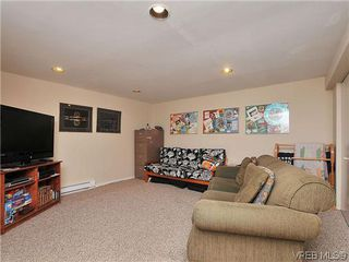 Photo 16: 903 640 Broadway St in VICTORIA: SW Glanford Row/Townhouse for sale (Saanich West)  : MLS®# 610799