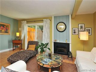 Photo 5: 903 640 Broadway St in VICTORIA: SW Glanford Row/Townhouse for sale (Saanich West)  : MLS®# 610799