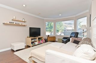 """Photo 10: 2874 153A ST in Surrey: King George Corridor House for sale in """"MAYFIELD"""" (South Surrey White Rock)  : MLS®# F1300140"""