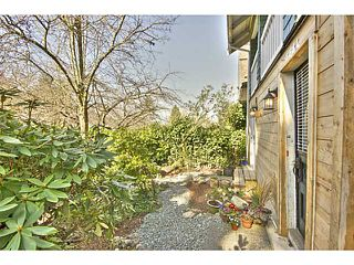 Photo 10: 3584 MARSHALL ST in Vancouver: Grandview VE House for sale (Vancouver East)  : MLS®# V997815