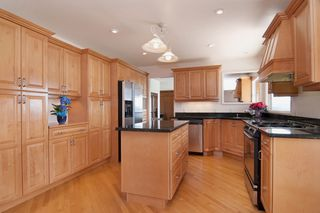 Photo 4: 1141 KILMER RD in North Vancouver: Lynn Valley House for sale : MLS®# V1009360