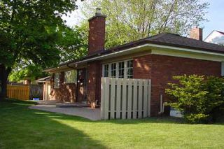 Photo 1: 1 Sedgewick Crest in Toronto: Ionview House (Bungalow) for sale (Toronto E04)  : MLS®# E2665003