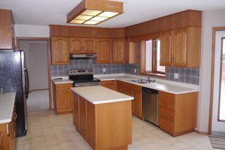 Photo 7: 82 Kendale Drive in Winnipeg: Residential for sale : MLS®# 1325852