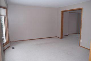 Photo 2: 82 Kendale Drive in Winnipeg: Residential for sale : MLS®# 1325852