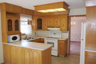 Photo 4: 10 Shorecrest Drive in Winnipeg: Lindenwoods Single Family Detached for sale (South Winnipeg)  : MLS®# 1411741