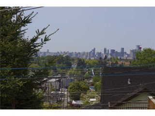 Photo 3: 3656 FRANKLIN ST in Vancouver: Hastings East House for sale (Vancouver East)  : MLS®# V1066629
