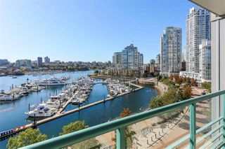 Photo 1: 902 1067 MARINASIDE CRESCENT in Vancouver: Yaletown Condo for sale (Vancouver West)  : MLS®# R2004364