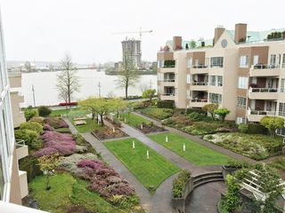 Photo 5: 409 1150 QUAYSIDE Drive in New Westminster: Quay Condo for sale : MLS®# R2053789