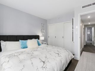 Photo 11: 133 REGIMENT SQUARE in Vancouver: Downtown VW Townhouse for sale (Vancouver West)  : MLS®# R2152733