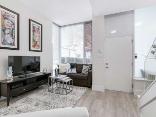 Photo 5: 133 REGIMENT SQUARE in Vancouver: Downtown VW Townhouse for sale (Vancouver West)  : MLS®# R2152733