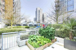 Photo 16: 133 REGIMENT SQUARE in Vancouver: Downtown VW Townhouse for sale (Vancouver West)  : MLS®# R2152733