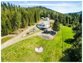 Photo 1: 6690 Southeast 20 Avenue in Salmon Arm: South Canoe House for sale (SE Salmon Arm)  : MLS®# 10148213