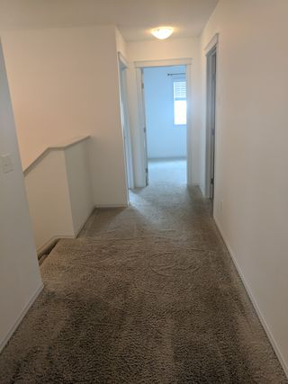Photo 3: 124 Springwood Way in Spruce Grove: House Half Duplex for rent