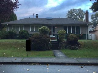 Photo 7: 4853 BARKER Crescent in Burnaby: Garden Village House for sale (Burnaby South)  : MLS®# R2408408