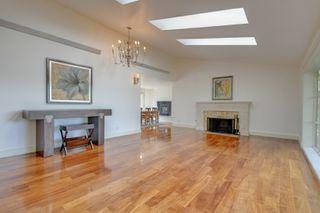 Photo 3: 3280 Beach Drive, One level home in Uplands, Oak Bay Victoria