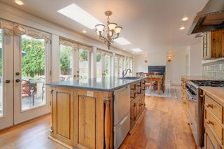 Photo 8: 3280 Beach Drive, One level home in Uplands, Oak Bay Victoria