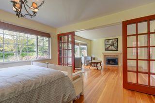 Photo 10: 3280 Beach Drive, One level home in Uplands, Oak Bay Victoria