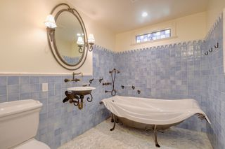 Photo 13: 3280 Beach Drive, One level home in Uplands, Oak Bay Victoria