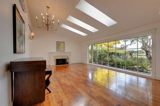Photo 5: 3280 Beach Drive, One level home in Uplands, Oak Bay Victoria