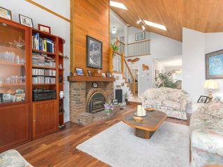 "Photo 3: 10880 63 Avenue in Delta: Sunshine Hills Woods House for sale in ""SUNSHINE HILLS"" (N. Delta)  : MLS®# R2439758"