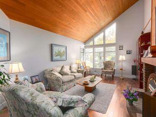 "Photo 2: 10880 63 Avenue in Delta: Sunshine Hills Woods House for sale in ""SUNSHINE HILLS"" (N. Delta)  : MLS®# R2439758"