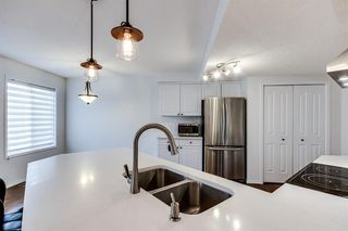 Photo 6: 38 MT ABERDEEN Grove SE in Calgary: McKenzie Lake Detached for sale : MLS®# A1028563