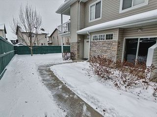 Photo 1: 152 460 Cranberry Way: Sherwood Park Carriage for sale : MLS®# E4221226