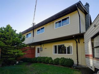 Main Photo: 2176 S French Rd in : Sk Broomhill Half Duplex for sale (Sooke)  : MLS®# 862902