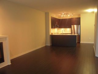 "Photo 2: 301 119 W 22ND Street in North Vancouver: Central Lonsdale Condo for sale in ""Anderson Walk"" : MLS®# V936339"