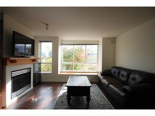 "Photo 3: 6727 VILLAGE Grove in Burnaby: Highgate Townhouse for sale in ""MONTEREY"" (Burnaby South)  : MLS®# V977948"