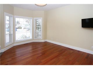 Photo 3: 2028 35 Street SW in CALGARY: Killarney Glengarry Residential Detached Single Family for sale (Calgary)  : MLS®# C3551196