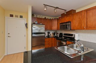 "Photo 7: 506 415 E COLUMBIA Street in New Westminster: Sapperton Condo for sale in ""SAN MARINO"" : MLS®# V1018971"