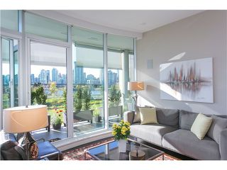 Photo 1: # 404 1616 COLUMBIA ST in Vancouver: False Creek Condo for sale (Vancouver West)  : MLS®# V1115216
