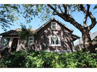 Photo 2: 1267 E 13TH AV in Vancouver: Mount Pleasant VE House for sale (Vancouver East)  : MLS®# V1141181