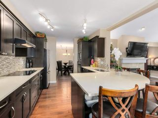 Photo 3: 13 101 PARKSIDE DRIVE in Port Moody: Heritage Mountain Townhouse for sale : MLS®# R2297667
