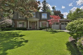 Photo 2: 142 Castle Cres in : 1006 - FD Ford FRH for sale (Oakville)  : MLS®# 30523513
