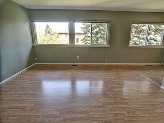 Photo 3: 10 6920 101 Avenue in Edmonton: Zone 19 Condo for sale : MLS®# E4171287