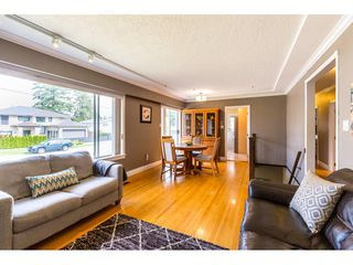 Photo 3: 1780 WOODVALE Avenue in Coquitlam: Central Coquitlam House for sale : MLS®# R2403169