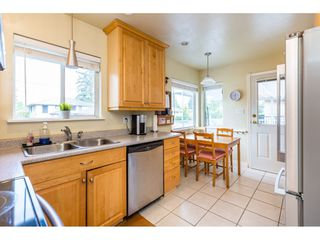 Photo 4: 1780 WOODVALE Avenue in Coquitlam: Central Coquitlam House for sale : MLS®# R2403169