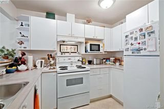 Photo 11: 201 1025 Meares Street in VICTORIA: Vi Downtown Condo Apartment for sale (Victoria)  : MLS®# 416054